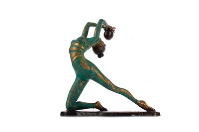 Lot 781 - AN ART DECO STYLE GILDED AND PATINATED BRONZE FIGURE OF AN ACROBAT