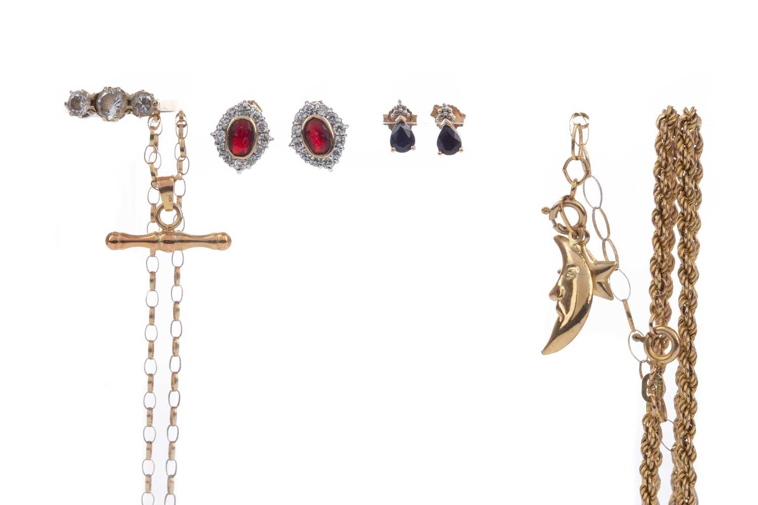 Lot 1371 - A COLLECTION OF GOLD AND OTHER ITEMS