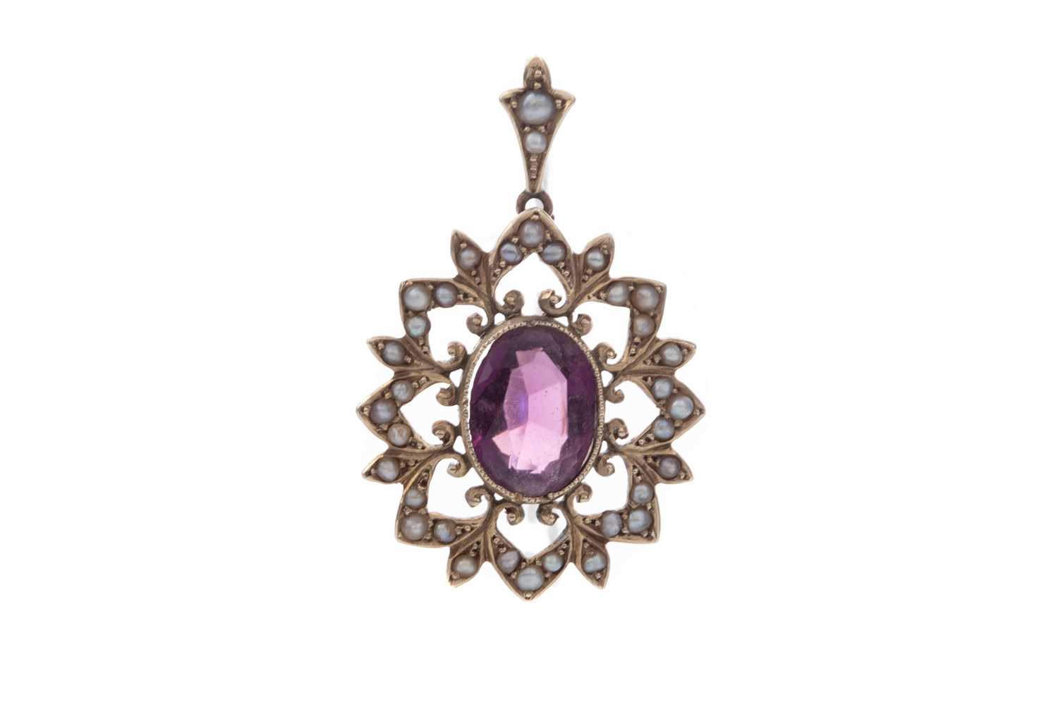 Lot 1344 - AN AMETHYST AND PEARL PENDANT