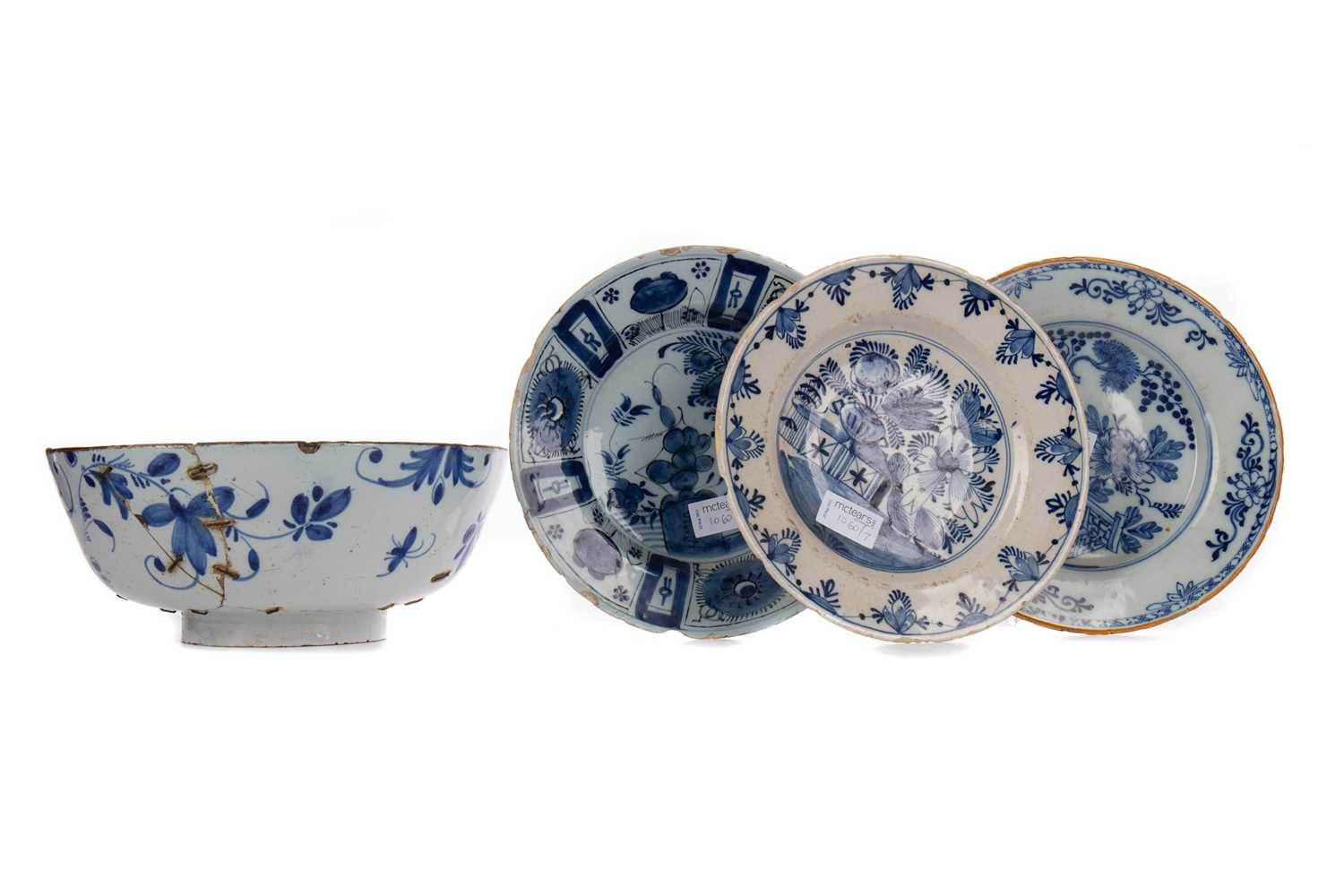 Lot 1060 - A PAIR OF 18TH CENTURY DUTCH DELFT CIRCULAR PLATES AND OTHERS