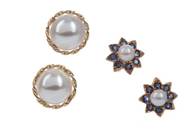 Lot 1427 - TWO PAIRS OF EARRINGS