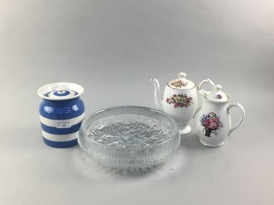 Lot 99 - A CORNISH WARE LIDDED JAR, FINNISH ART GLASS BOWL AND TWO POTS