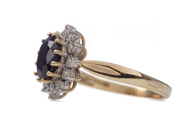 Lot 1372 - A SAPPHIRE AND DIAMOND CLUSTER RING