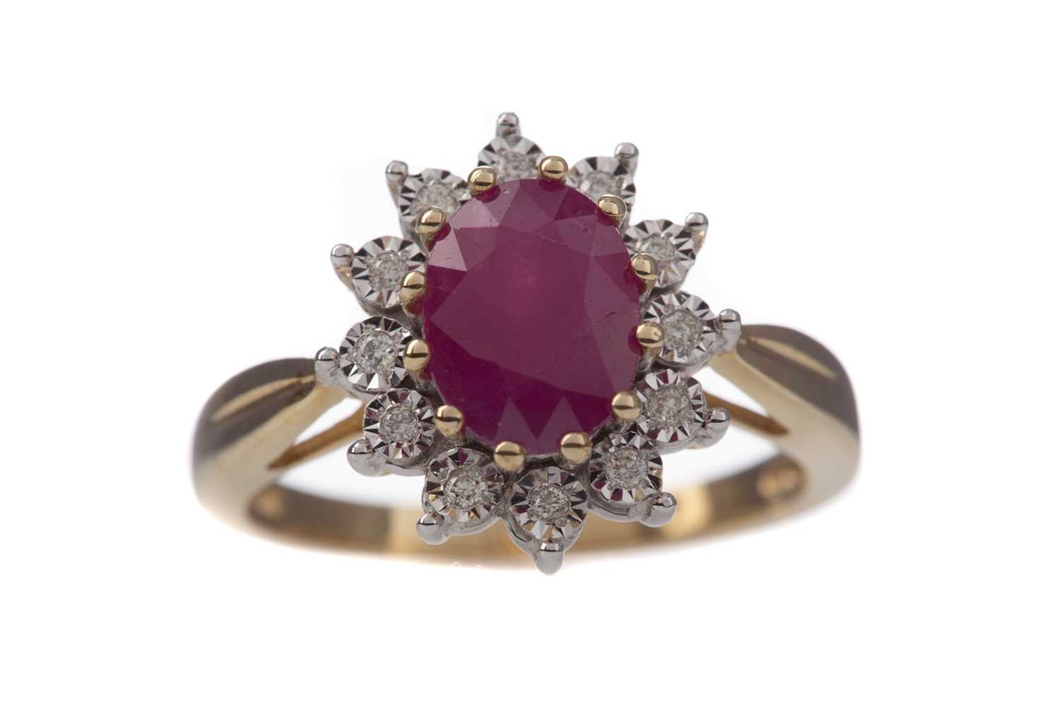 Lot 1374 - A RUBY AND DIAMOND CLUSTER RING
