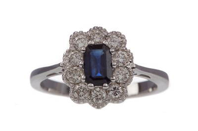 Lot 1380 - A CERTIFICATED SAPPHIRE AND DIAMOND RING