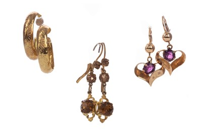 Lot 1560 - A GROUP OF GOLD EARRINGS