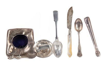 Lot 525 - A LOT OF SMALL SILVER ITEMS
