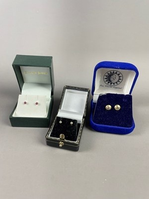 Lot 3 - A LOT OF THREE PAIRS OF EARRINGS