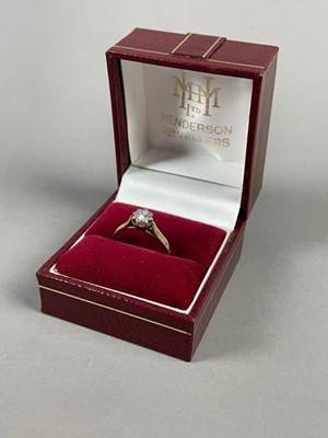 Lot A DIAMOND SOLIATIRE RING