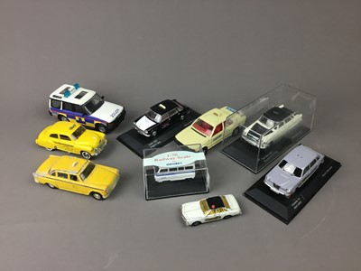 Lot 19 - A COLLECTION OF CORGI, LLEDO, OXFORD AND MATCHBOX MODEL VEHICLES