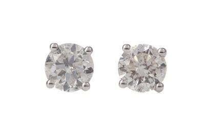Lot 330 - A PAIR OF DIAMOND STUD EARRINGS