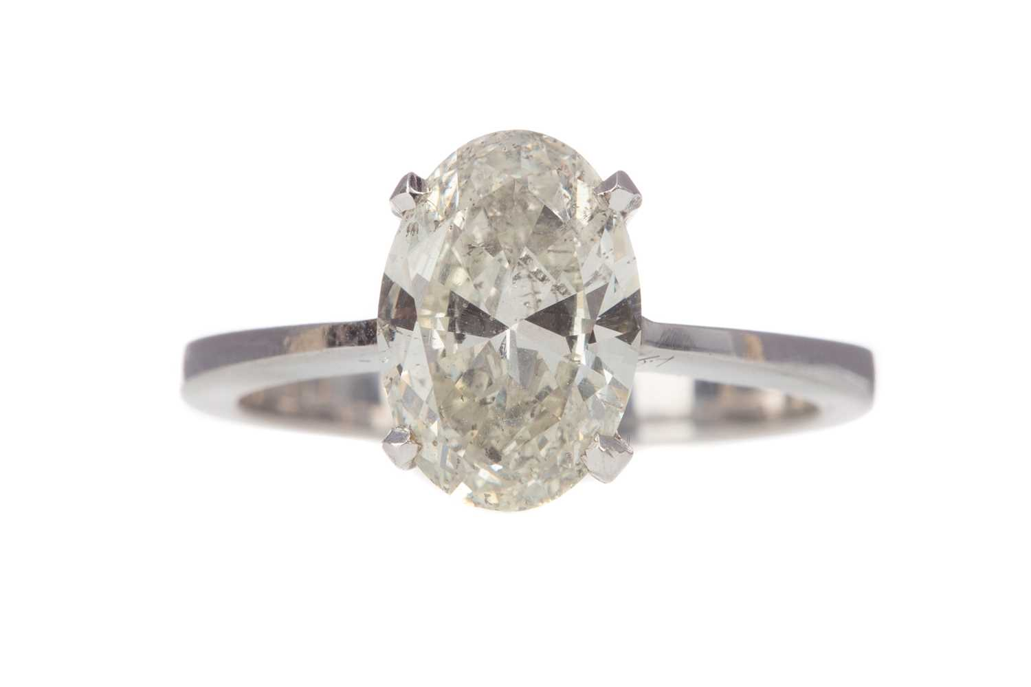 Lot 335 - A CERTIFICATED DIAMOND SOLITAIRE RING
