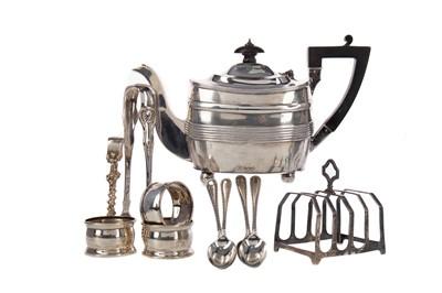 Lot 543 - A GEORGE V SILVER TEA POT