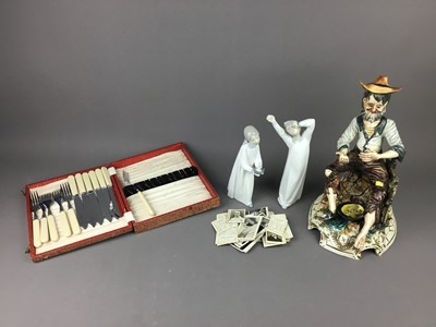 Lot 42 - A LOT OF TWO LLADRO FIGURES OF CHILDREN IN NIGHT DRESS ALONG WITH OTHER ITEMS