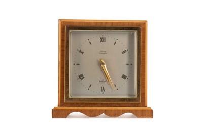 Lot 1136 - AN ART DECO MANTEL CLOCK BY ELLIOTT