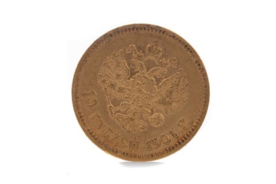 Lot 10 - A GOLD 10 RUBLE COIN DATED 1901