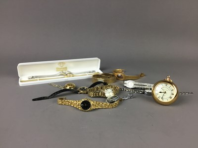 Lot 82 - A COLLECTION OF COSTUME JEWELLERY