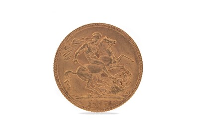 Lot 27 - A GEORGE V GOLD SOVEREIGN DATED 1915