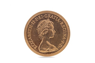 Lot 39 - AN ELIZABETH II GOLD SOVEREIGN DATED 1981