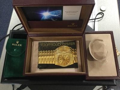 Lot 724 - A GENTLEMAN'S ROLEX OYSTER PERPETUAL EIGHTEEN CARAT GOLD AUTOMATIC WRIST WATCH