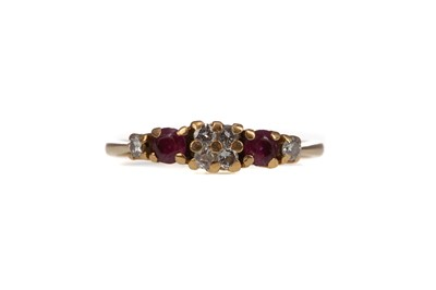 Lot 309 - A RUBY AND DIAMOND RING