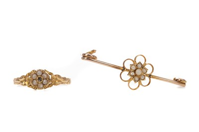 Lot 443 - A PEARL RING AND A BROOCH