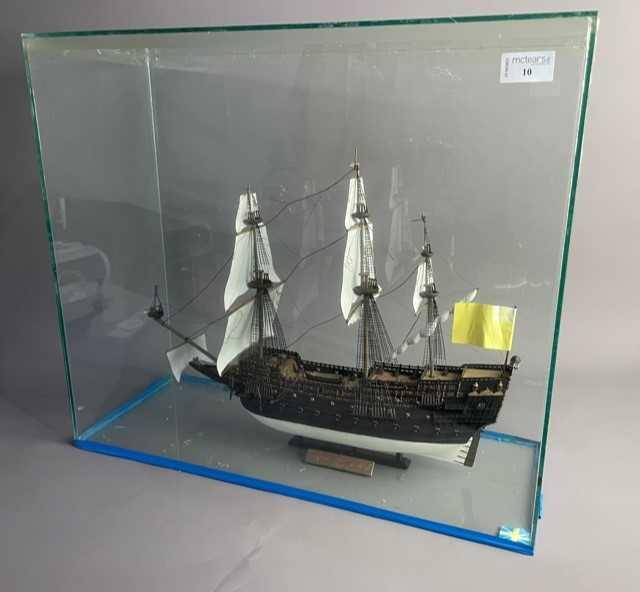Lot 10 - A MODEL SHIP IN CASE