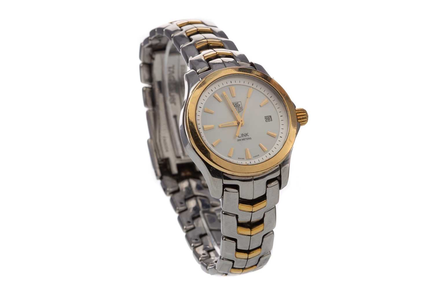 Lot 735 - A LADY'S TAG HEUER LINK STAINLESS STEEL QUARTZ WRIST WATCH