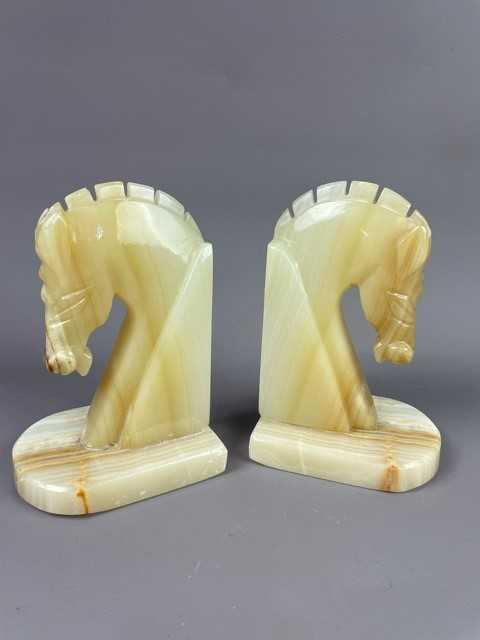 Lot 13 - A PAIR OF ONYX BOOK ENDS