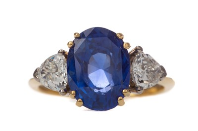 Lot 490 - A CERTIFICATED UNTREATED BURMA SAPPHIRE AND DIAMOND RING