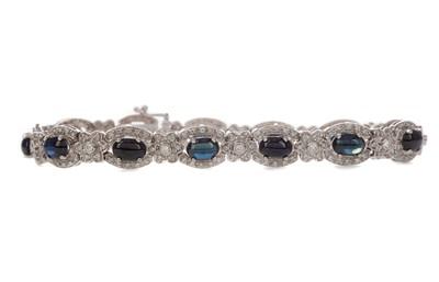 Lot 469 - A SAPPHIRE AND DIAMOND BRACELET