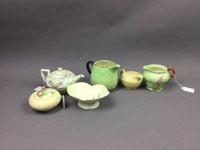 Lot 119 - A CARLTON WARE LEAF CREAM AND MILK JUG ALONG WITH OTHER CERAMICS