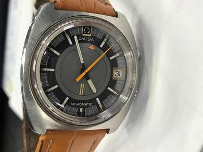 Lot 738 - A GENTLEMAN'S OMEGA MEMOMATIC STAINLESS STEEL AUTOMATIC WRIST WATCH