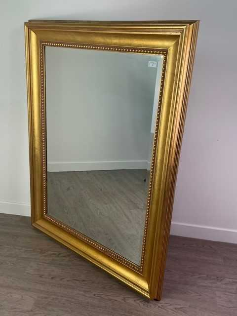 Lot 25 - A LARGE GILT MIRROR BY GALLERY