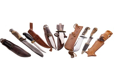 Lot 1387 - EIGHT HUNTING KNIVES