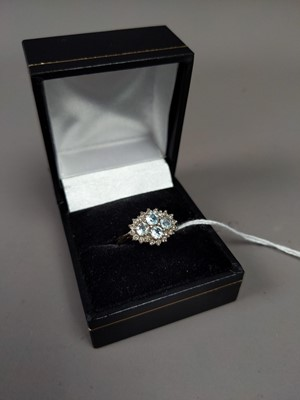 Lot 20A - A DIAMOND AND AQUAMARINE RING SET IN NINE CARAT GOLD