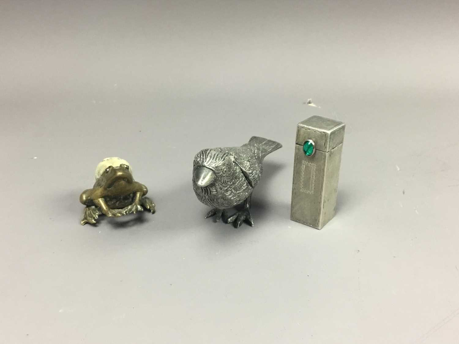 Lot 45 - A CONTINENTAL SILVER LIPSTICK HOLDER AND OTHER OBJECTS