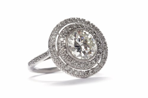 Lot 96-IMPRESSIVE DIAMOND SOLITAIRE RING the round...