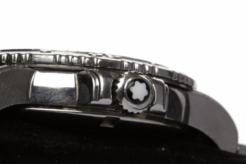 Lot 769-GENTLEMAN'S MONT BLANC STAINLESS STEEL QUARTZ...