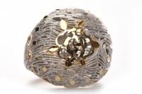 Lot 70-EIGHTEEN CARAT GOLD BI COLOUR BOMBE STYLE DRESS...