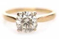 Lot 175 - EIGHTEEN CARAT GOLD DIAMOND SOLITAIRE RING...