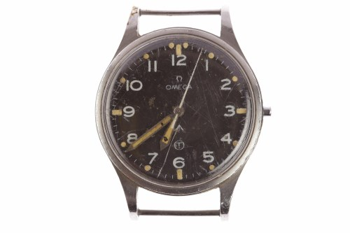 Lot 789-GENTLEMAN'S OMEGA MILITARY ISSUE STAINLESS...