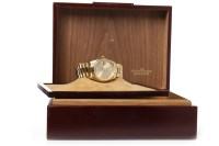 Lot 856 - GENTLEMAN'S ROLEX OYSTER PERPETUAL DAY-DATE...
