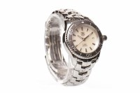 Lot 900 - LADY'S TAG HEUER LINK STAINLESS STEEL QUARTZ...
