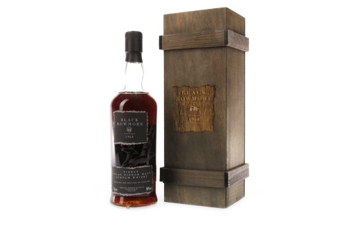 Lot 1018-BLACK BOWMORE 1964 2nd EDITION Active. Bowmore,...