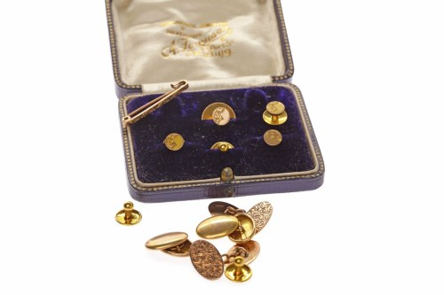 Lot 518-SET OF MATCHED NINE CARAT GOLD SHIRT STUD AND...
