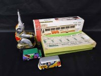 Lot 34-SMALL LOT OF VINTAGE TOYS including Biffit Golf...