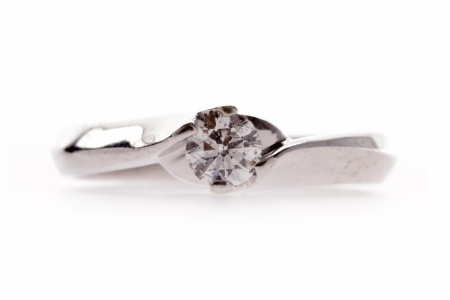 Lot 520-NINE CARAT WHITE GOLD DIAMOND SOLITAIRE RING the...