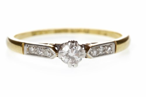 Lot 504-EARLY TWENTIETH CENTURY DIAMOND SOLITAIRE RING...