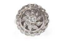 Lot 628 - MID TWENTIETH CENTURY DIAMOND CLUSTER RING the...
